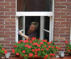 cleaning-home-windows